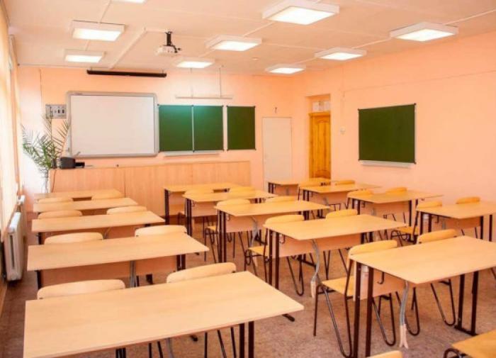 "Чиновники не спешат переводить школы на ""удалёнку"""