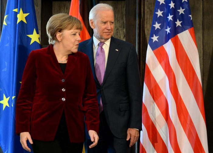 """Байден и Меркель """"объединились против российской агрессии"""""""
