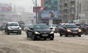 Снег и гололед в Москве: Столица в пробках, отменены вылеты