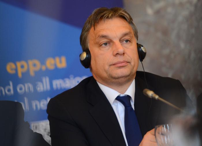 """Сами разберёмся: Будапешт раскритиковал """"диктатуру"""" ЕС"""