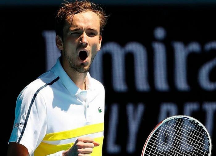 Медведев вышел в 1/8 теннисного турнира Олимпиады-2020