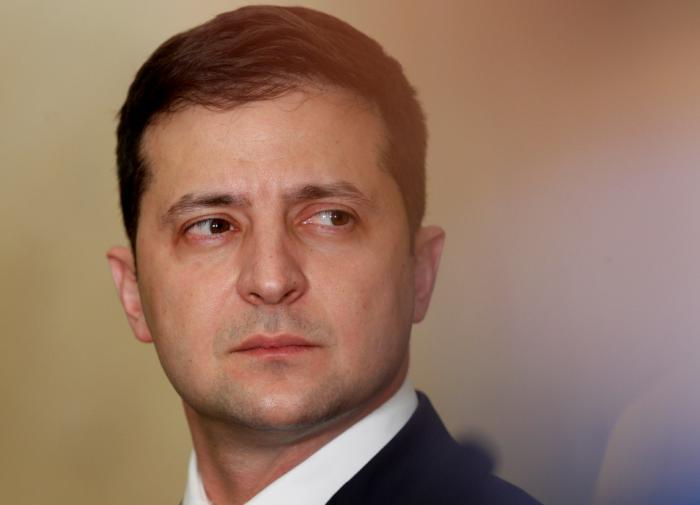 """Зеленский пообещал дать """"сильный ответ"""" на покушение на Шефира"""