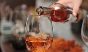 Британские ученые: даже один бокал вина влияет на поведение человека
