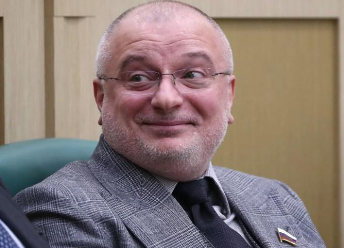 Сроки полномочий губернаторов и депутатов заксобраний могут уравнять в РФ