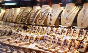 Из-за пандемии продажи ювелирных украшений в России упали на 50-70%