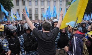 """ИноСМИ: Около стен Верховной рады что-то """"майданят"""" против Ляшко и не только"""