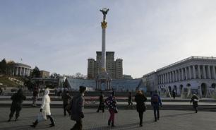Вандалы уничтожили памятник Зое Космодемьянской в Киеве
