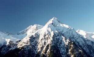 В Альпах лавина накрыла 17 чешских лыжников