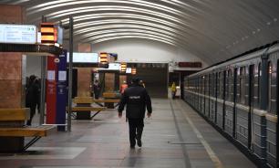 На станциях метро в Москве начнут продавать медицинские маски