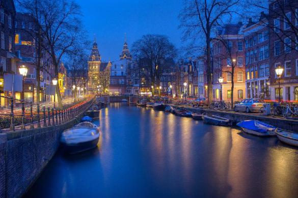 Достопримечательности Амстердама опустели без туристов