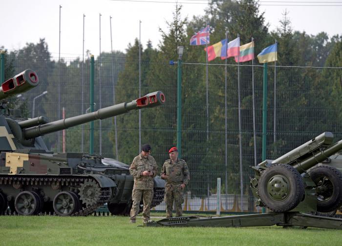 """Украина """"открывает двери"""" для иностранных военных"""