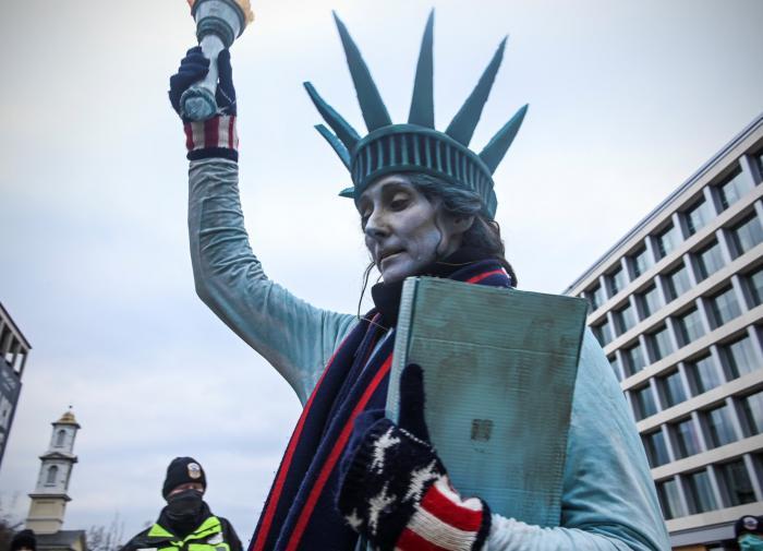 Будьте взрослыми. Идите домой: итоги воскресных протестов в США