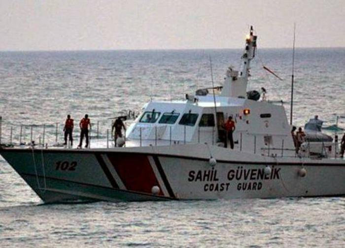 Турецкая береговая охрана обстреляла полицейский катер Кипра