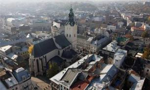 На Украине вандалы отпилили руку с крестом памятнику Папе Римского