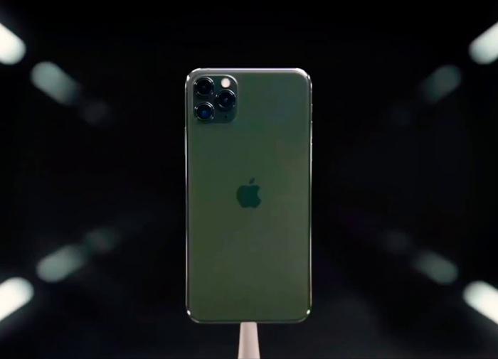 """""""Двойному агенту"""" Apple не заплатили """"гонорар"""""""