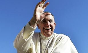 Немой ребенок прервал аудиенцию Папы Римского проказами