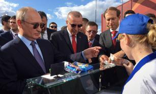 Песков не запомнил продавщицу, у которой Путин дважды покупал мороженое