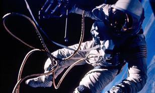 Космонавту Титову установили мемориал в его родном селе