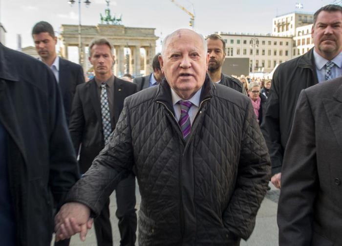 """Горбачёв посоветовал будущему президенту США  """"связаться с Путиным"""""""