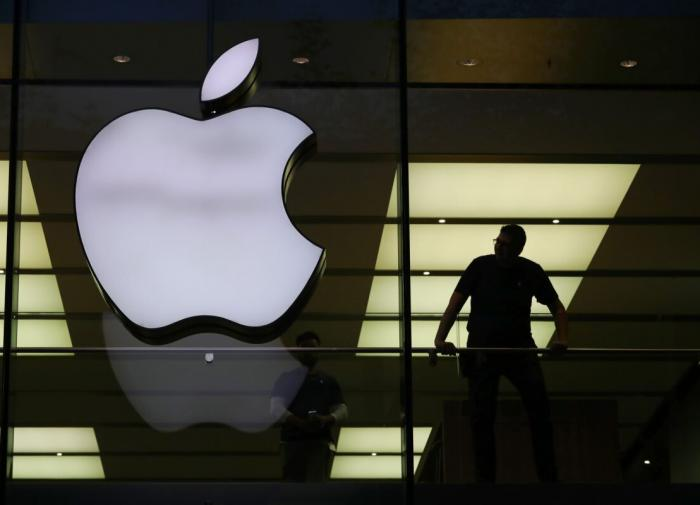 Хочешь разрабатывать ПО для iPhone - стань китайцем или американцем