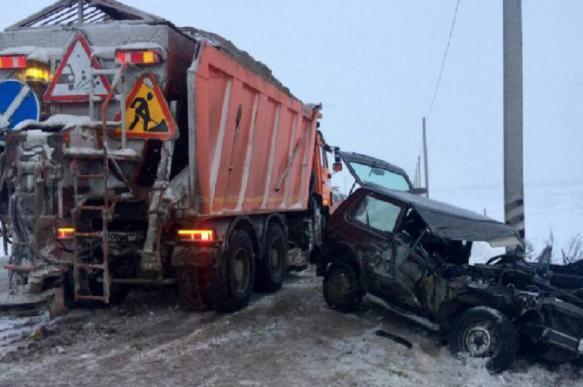 Метель на трассе убивает: два ДТП в Тюменской области
