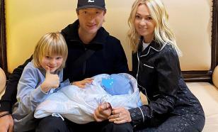 Ургант пошутил о новом ребёнке Плющенко и Тутберидзе