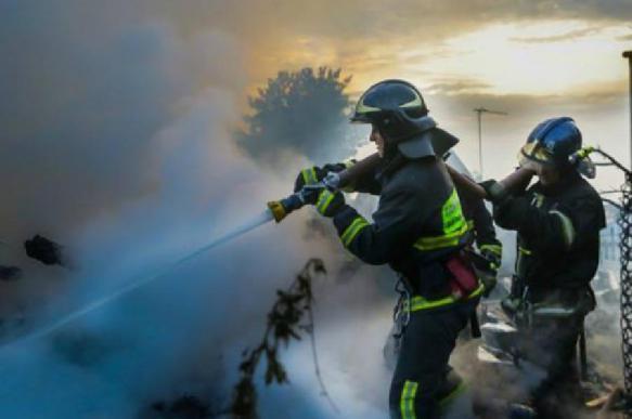 В Санкт-Петербурге обрушился горящий ангар