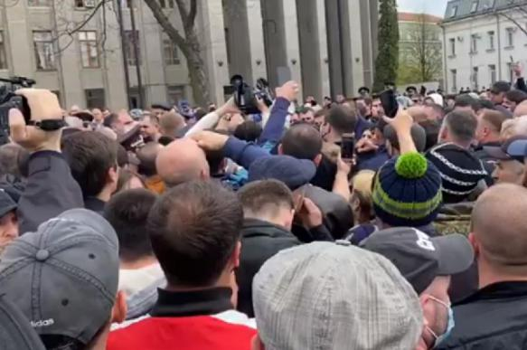 Впервые в России: в Северной Осетии потребовали отмены самоизоляции