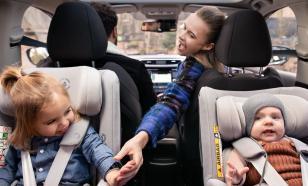 Как закрепить в автомобиле детское кресло-люльку