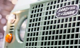 Латвия подарила Украине бронированные внедорожники Land Rover Defender