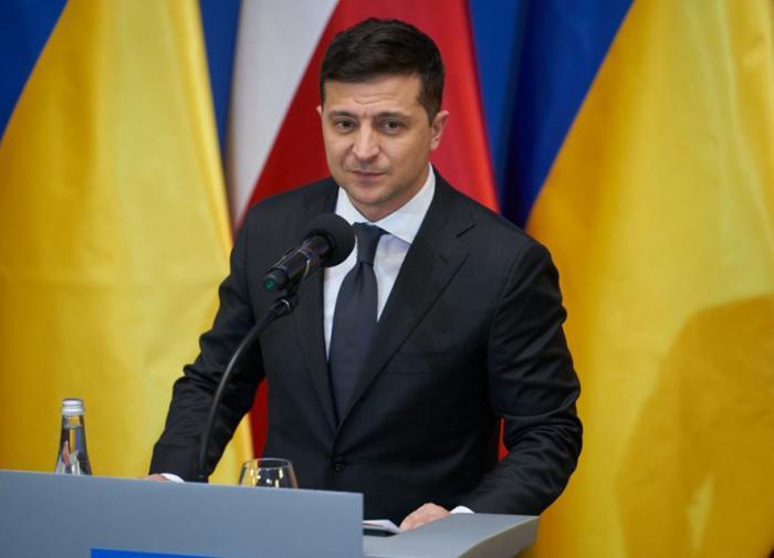 Зеленский проведёт всеукраинский опрос 25 октября