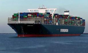 По Суэцкому каналу возобновилась навигация судов