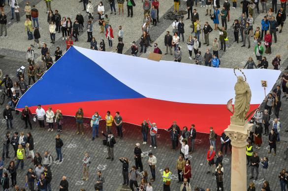 Масочный режим отменили в Чехии