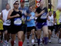 Двое бегунов скончались во время марафона.