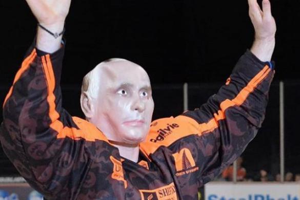 Хоккеист Лемтюгов вышел на игру британской лиги в маске Путина