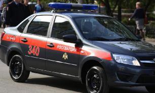 Машину росгвардейцев в Чите перевернули дебоширы
