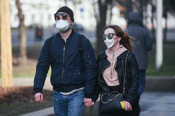 Число заболевших коронавирусом в России выросло на 440 человек