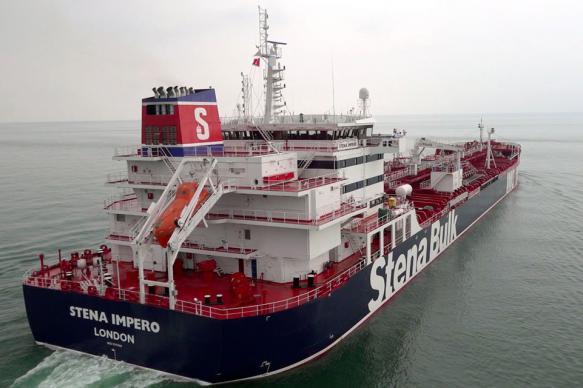 Иран отпустит экипаж британского танкера после окончания расследования