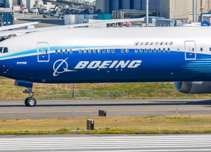 Boeing сократила производство самолетов в два раза