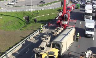 В Москве пострадали два человека во время аварии на МКАД