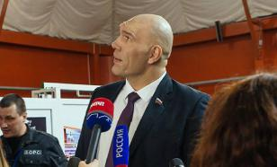 Валуев станет комментатором боя Кокляев - Емельяненко