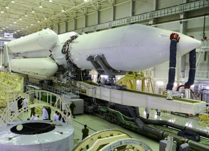 """Не летает, но дорожает: почему ракета """"Ангара"""" стоит баснословных денег"""
