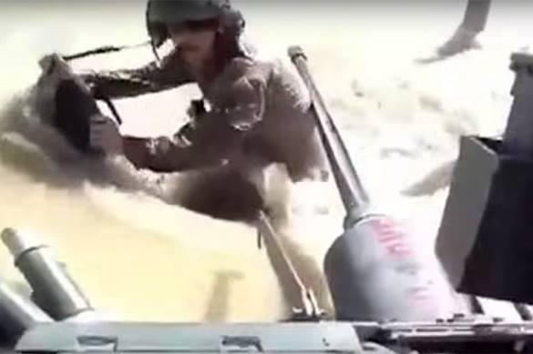 Американские морпехи позорно утопили танк