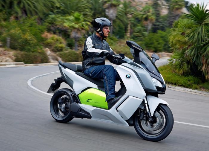 Как выбрать скутер: обзор популярных моделей