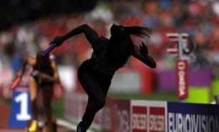 """""""Прыжок Супермена"""" помог американскому бегуну выиграть соревнования. Видео"""