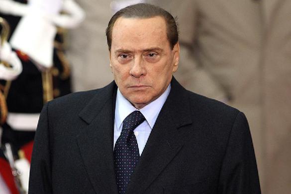 Берлускони призвал доиграть футбольный сезон после лета