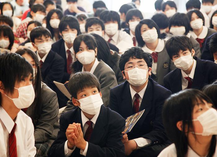 В Японии разработали маски, преобразующие речь в текст