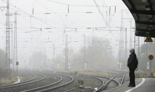 """В Киеве """"что-то"""" стало причиной мощного взрыва на ж/д вокзале, есть пострадавшие"""