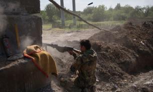 Дончан сутки обстреливали снарядами и минами