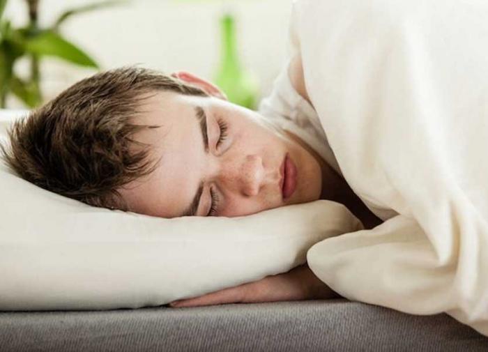 Поздний сон может быть опасен для здоровья подростков